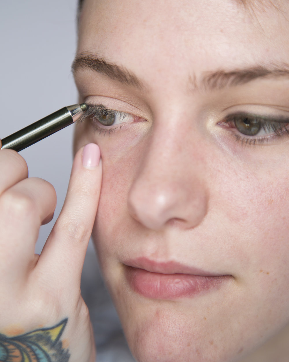 Wanted to include this so you could see how I was applying my eyeliner. If you struggle with shakey hands or have a hard time getting a straight line rest your pinky or the side of your hand on your face to stabilize your hand. This is one of the best makeup tips that I ever received and has saved me so much frustration so you'll see me do it multiple times.