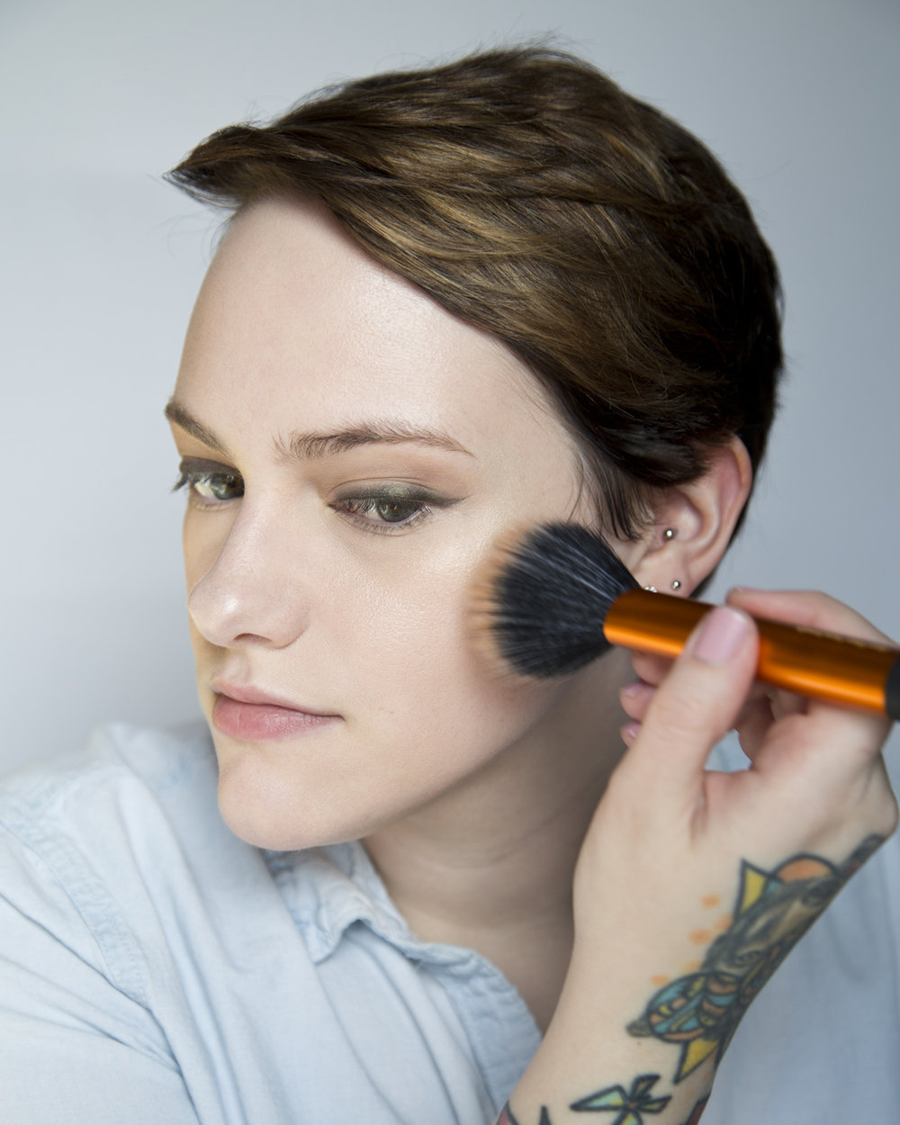 Moving right along and I used a duo-fiber brush from Real Techniques with my Victoria Beckham x Estée Lauder bronzer. I love this brush/bronzer combo - I would definitely recommend a bigger, fluffy brush for bronzer.