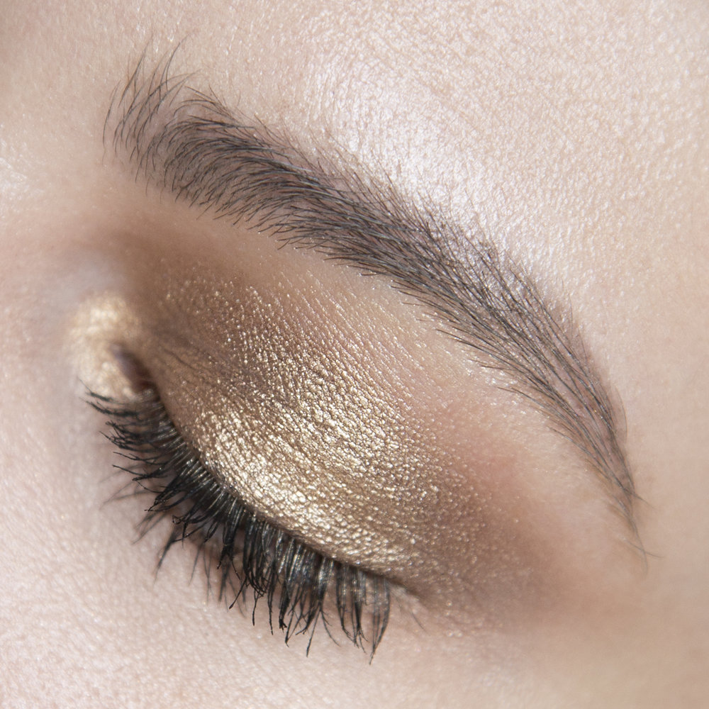 On the eyes is just a gold cream eyeshadow and two gold highlighters so this is was one of the easiest to create which I am more than okay with.