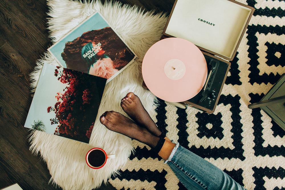 records-at-laras-4465.jpg