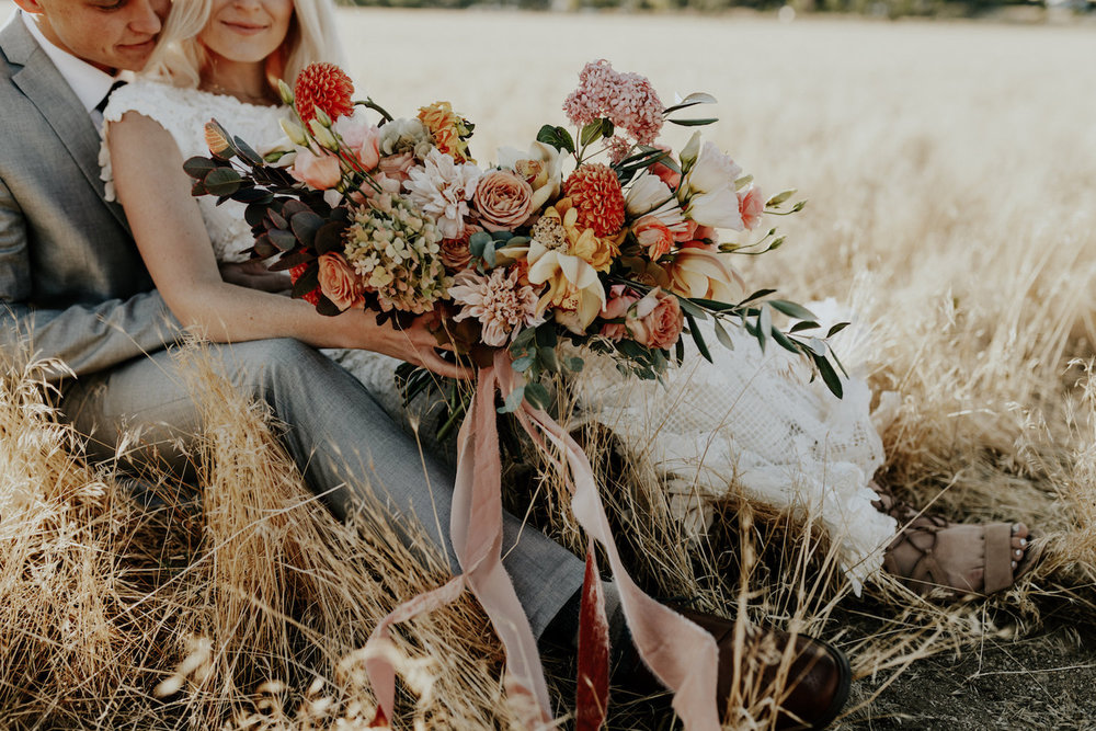 Bridal Bouquet Ideas for a Fall Wedding