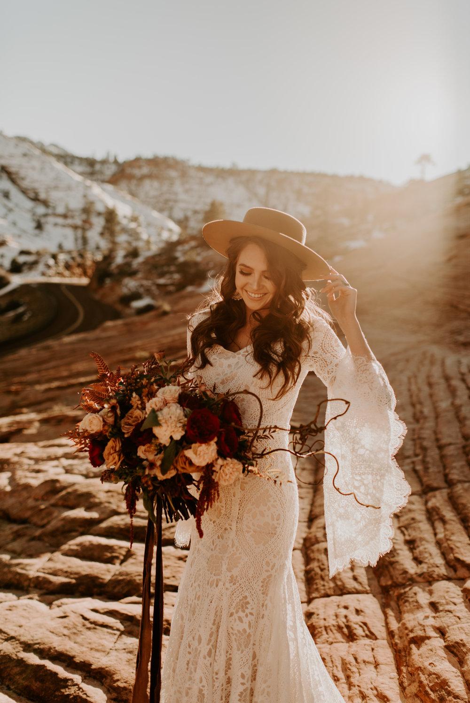 Features Wedding Bridal Flowers Bouquets Arrangements