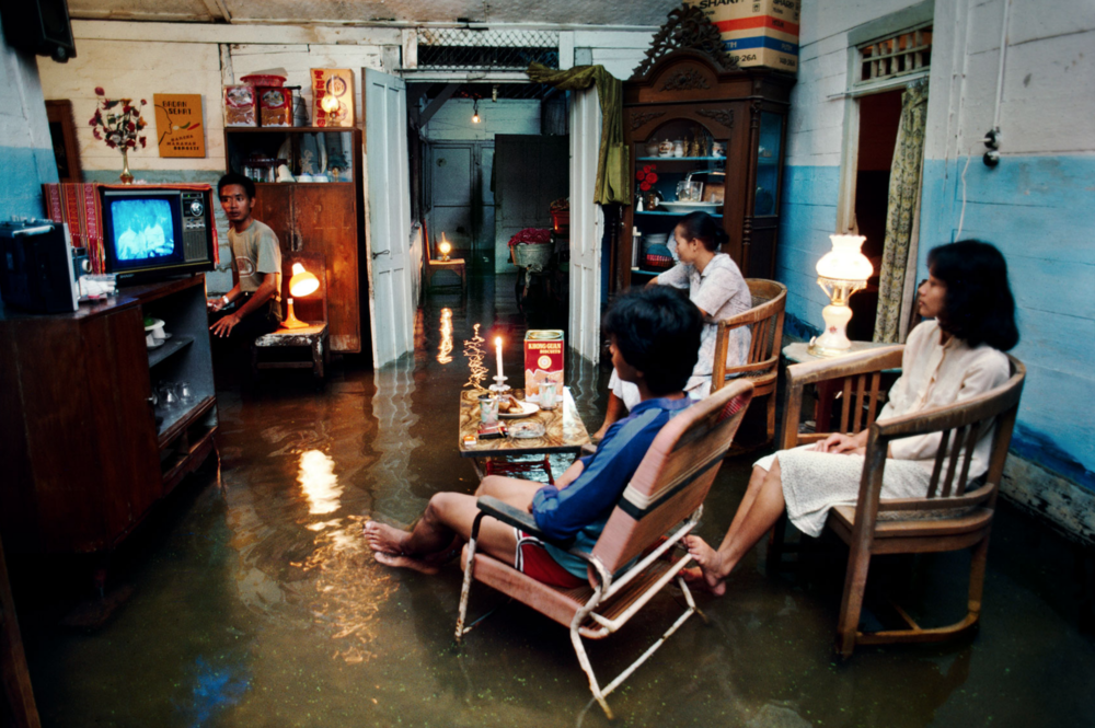 steve mmcurry, flooded house in indonesia.png