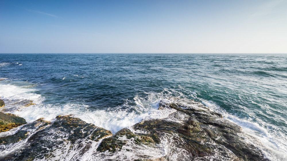 Portland Bill - Rough Sea Coastline