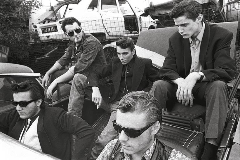 Rockers à la casse de Montreuil (Seine-Saint-Denis), 1975 ©Yan Morvan, courtesy galerie Sit Down