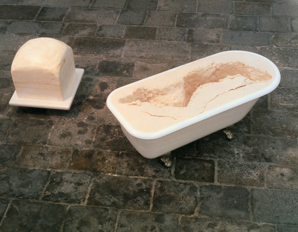 Janine Antoni, Eureka, 1993 Bathtub, lard, soap, and Corian © Janine Antoni; Courtesy of the artist and Luhring Augustine, New York