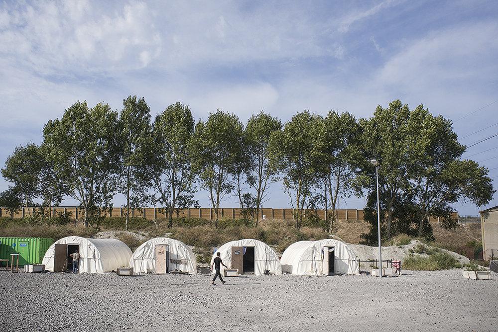 charlesdelcourt-refugee06.jpg