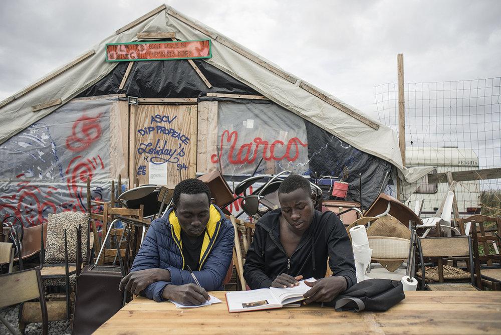 charlesdelcourt-refugee14.jpg
