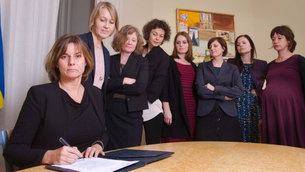 This photo of Swedish Climate Minister Isabella Lovin appeared to mock the male-dominated Trump team / BBC