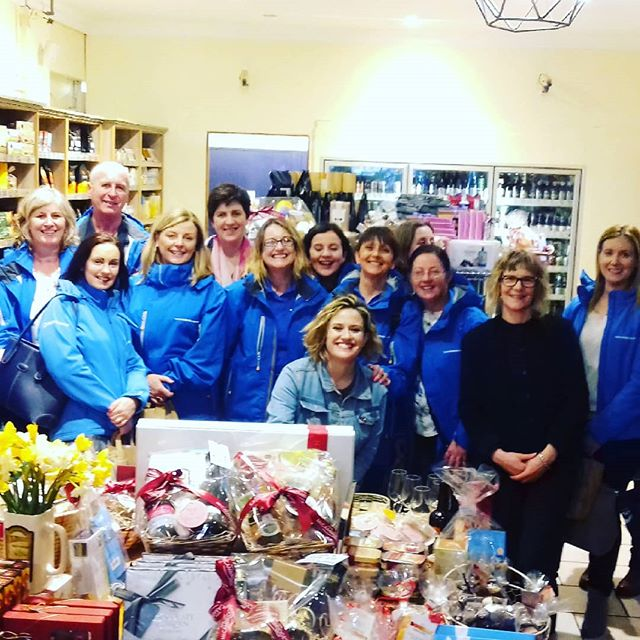 The blue of the @thewildatlanticway on tour today with @natmccambridge @mccambridgesgalway. We took these peeps on a taste of Galway....shure whats not to love....Thank you to all our wonderful producers and venues ❤