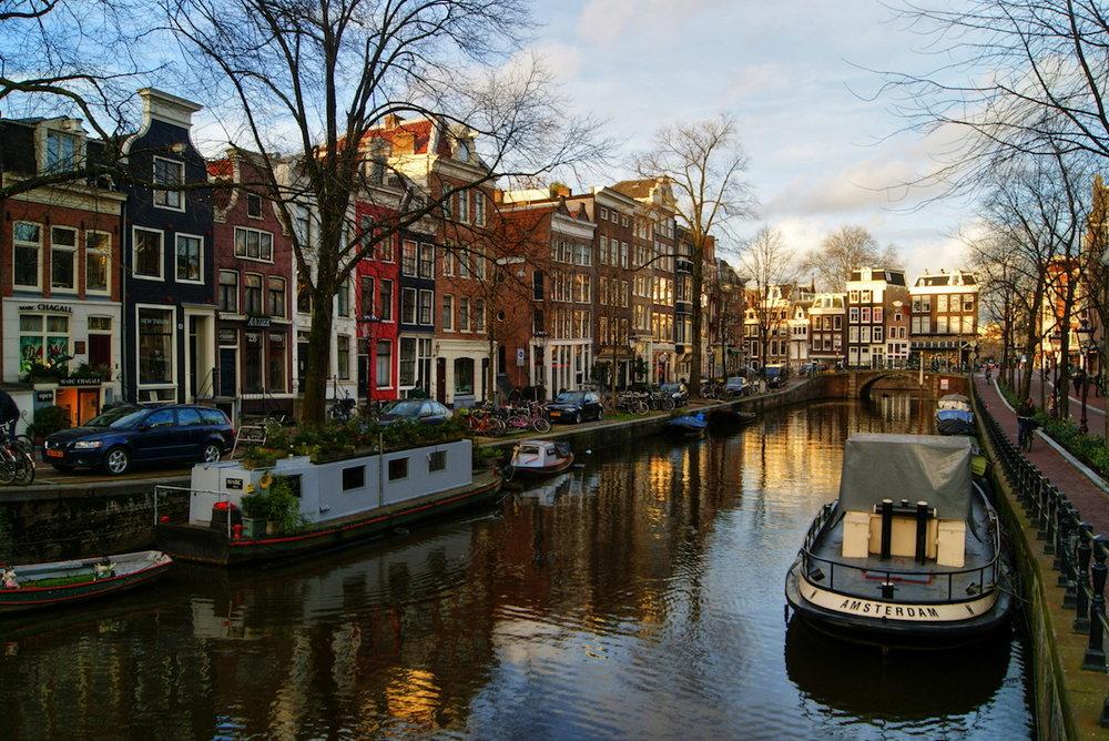 Amsterdam spiegelgracht small.JPG