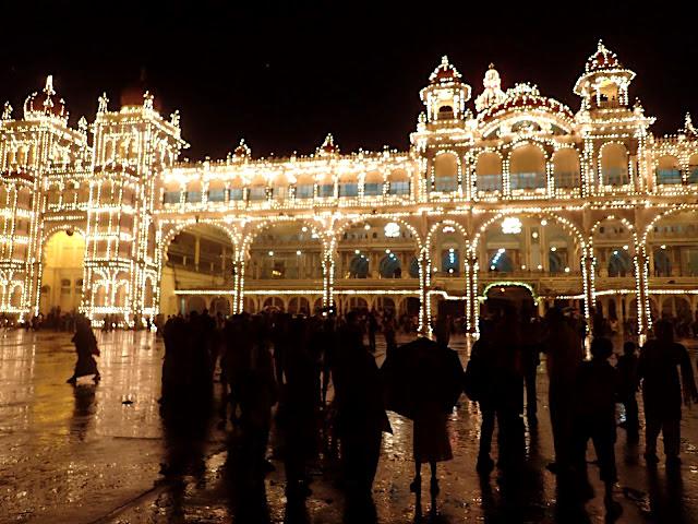 Mysore Palace, Mysuru, India.JPG
