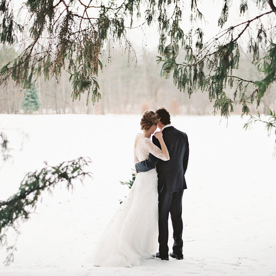 bride-groom-wedding-winter-snow102859328_sq.jpg