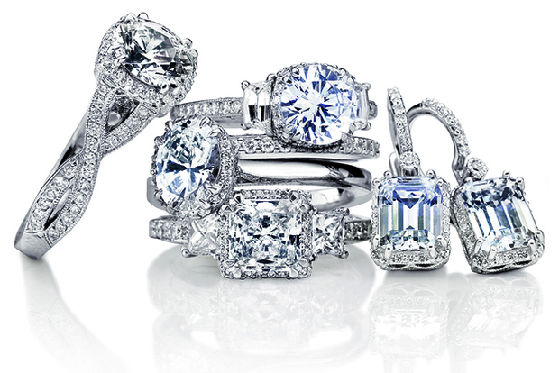 Tacori_Dantela_Rings_and_Earrings_lo-thumb-620xauto-53221