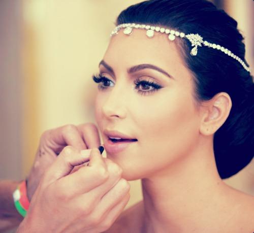 kim-kardashian-wedding-headpiece