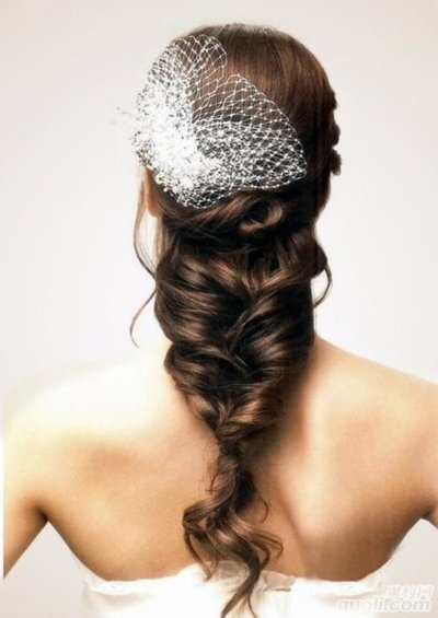 Fishbone-Bride-wedding-hairstyles-trend-2012
