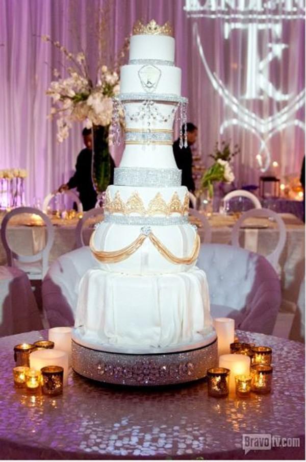 Kandi-Burruss-Todd-Tucker-Wedding-Photos-Wedding-cake-600x905