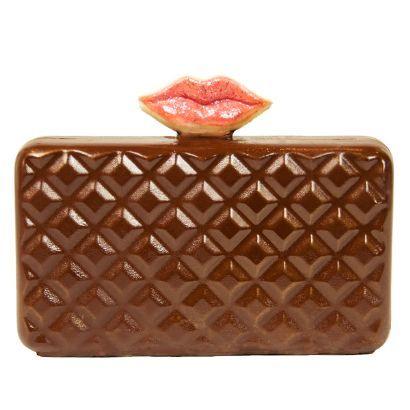 pout-handbag-cake.591aa43a5e50956b2c489900657c8196