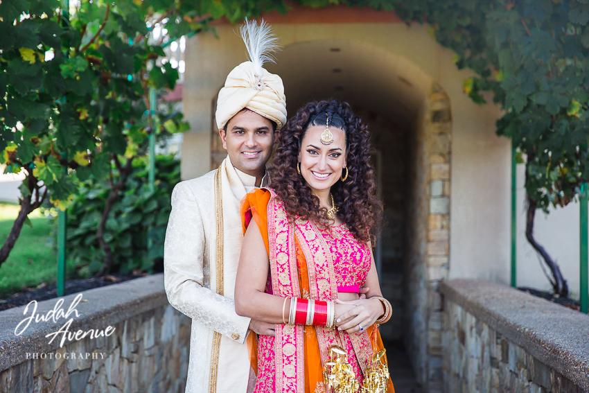 <h6>Roxanne<br>& Gaurav </h6>