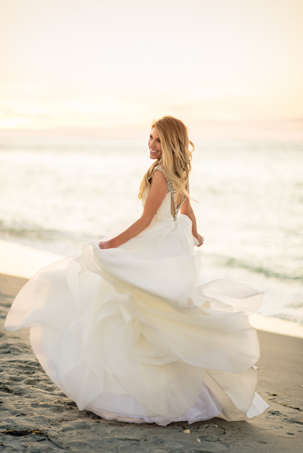 Beach bride photography.jpg