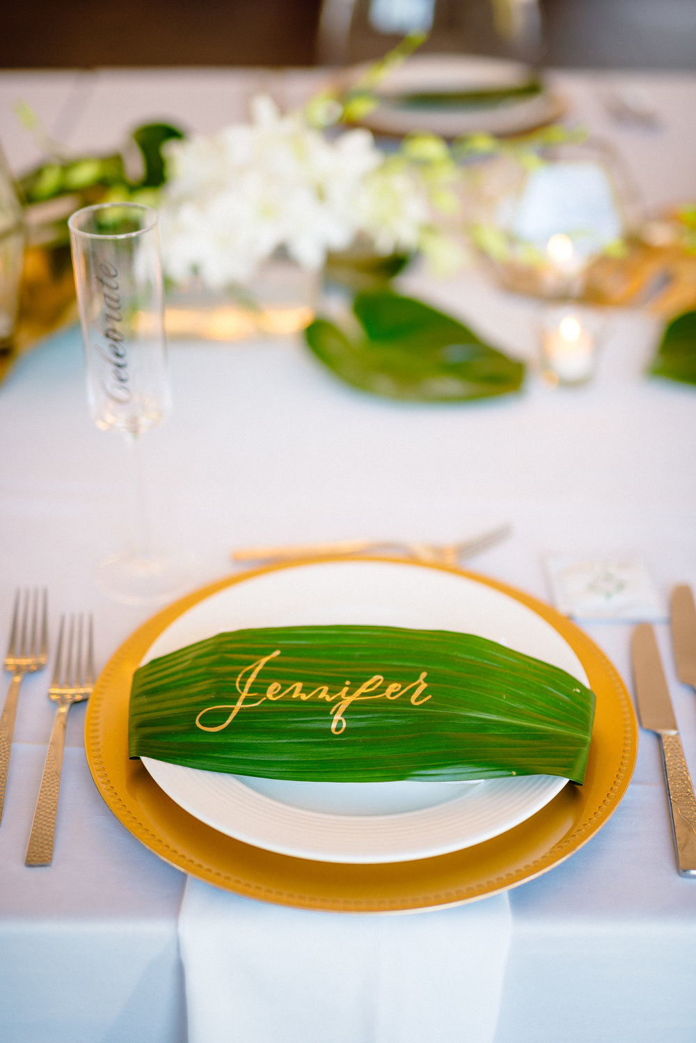 Beach place setting wedding photographer.jpg