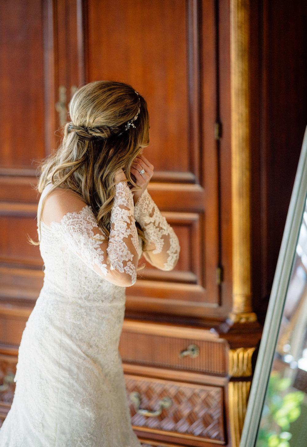 Bridal Prep Photography Portraits Matt Steeves Photography.jpg