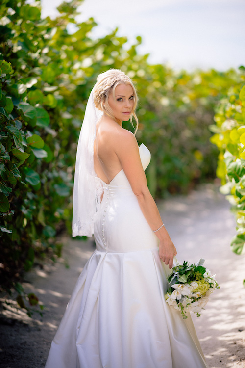 Floral Artistry South Seas Weddings by Matt Steeves Photography 1.jpg