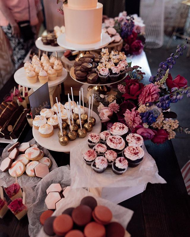 This image is from @missladybirdcakes's setup last January. It was so good to have such passionate and incredible people to be part of the party. We feel pretty lucky for all the support we received so quickly from the industries best! 🥂🤩
