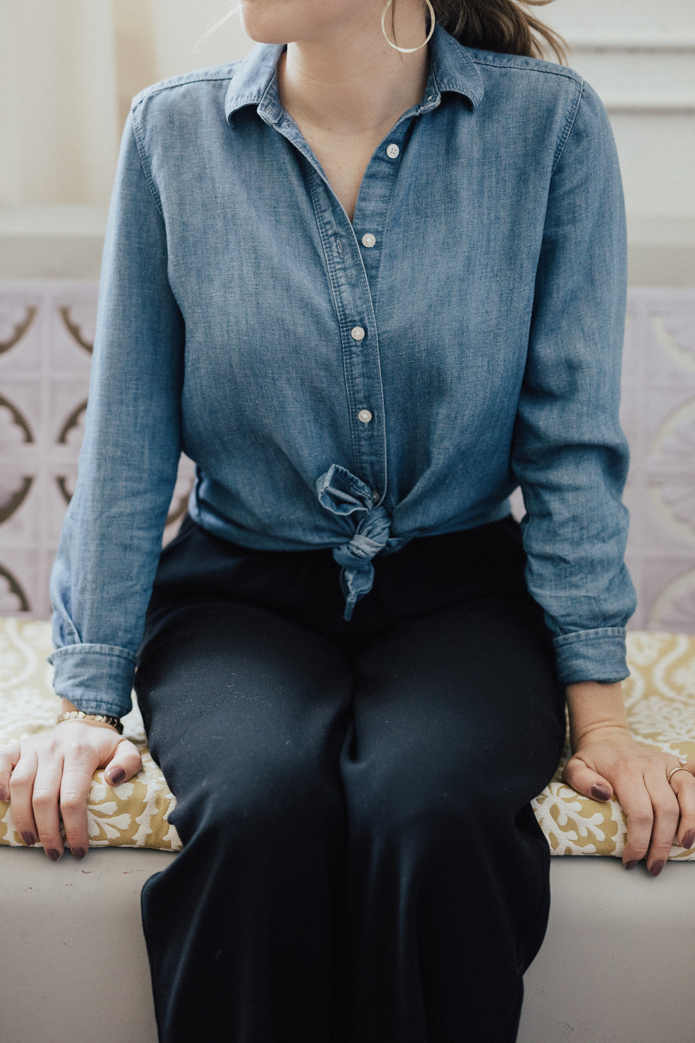 Another most loved item of the year is this old Loft Chambray button down. I've had this shirt for year's and continue to wear this because of the weight, color, fit and versatility it can provide.
