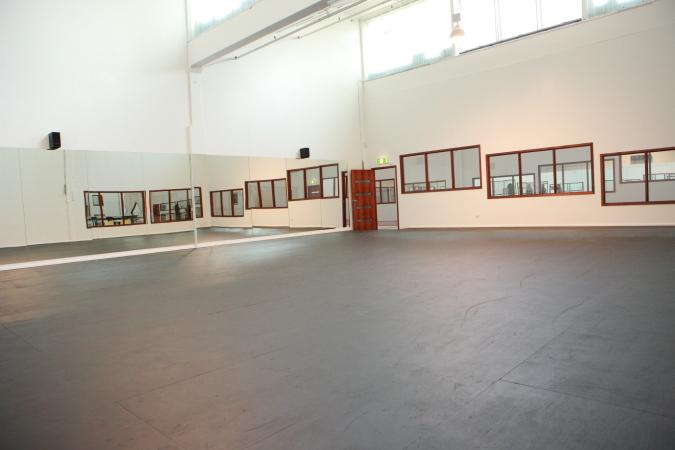 Studio3a.JPG