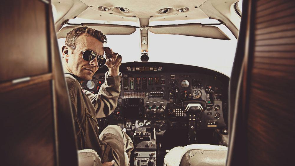 69470-8145187-pilot.jpg