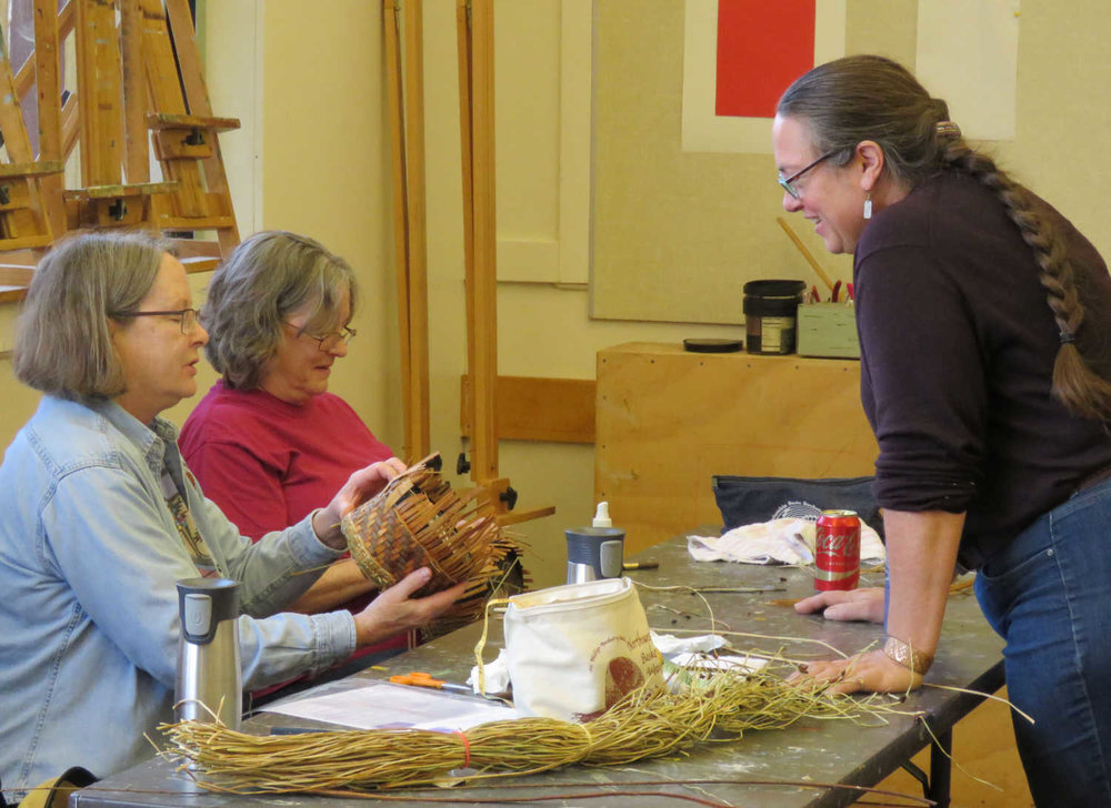 Basketry weaving workshop for Guild members with Karen Sherwood from  Earthwalk Northwest.    Photo by Diane Woods