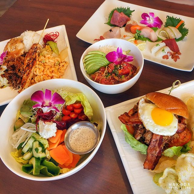 Hungry? Check out @thelanaileucadia_delmar for one of these broke da mouth kine grindz and tell them we sent ya! 😋🤤🤗😎🐷 #TheLanai #HakodaProductions