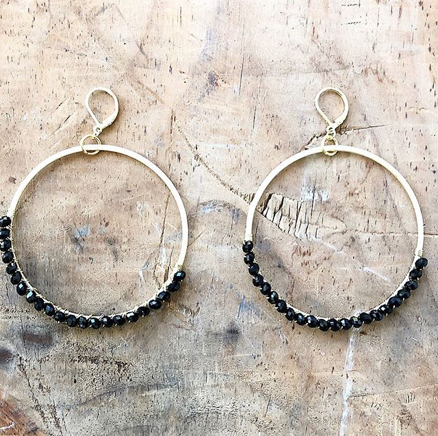 Happy Monday!! We're excited to announce that we've collaborated with @reeses_hardwear to bring you an #exclusive jewelry collection!! These crystal wrapped hoop earrings make the perfect present or finishing touch on your holiday look. We will be fully stocked for #girltribepopup at @sugarcreekbrewing this weekend so be sure to mark your calendars! (12/8-12/9) Hope to see you all there ! #ollieandgray #stylebar #holidayshopping #giftideas #giftguide #christmas #hoops #earrings