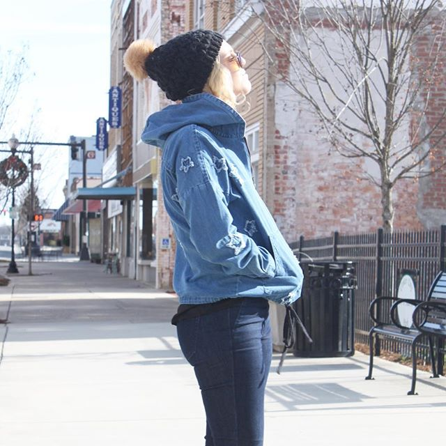 """Soak up the sun while you can! The #arcticblast is coming! Already stuck inside and looking for things to do? We've got new arrivals including this denim star pullover. Get 40% off this chic pick with code """"2018WISHES"""" // xo & #happynewyear"""