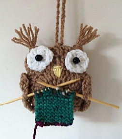 knitting owl.jpg