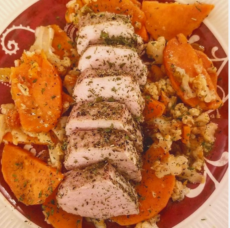 Herb+Rubbed+Pork+with+Sweet+potatoes+and+Cauliflower.jpg