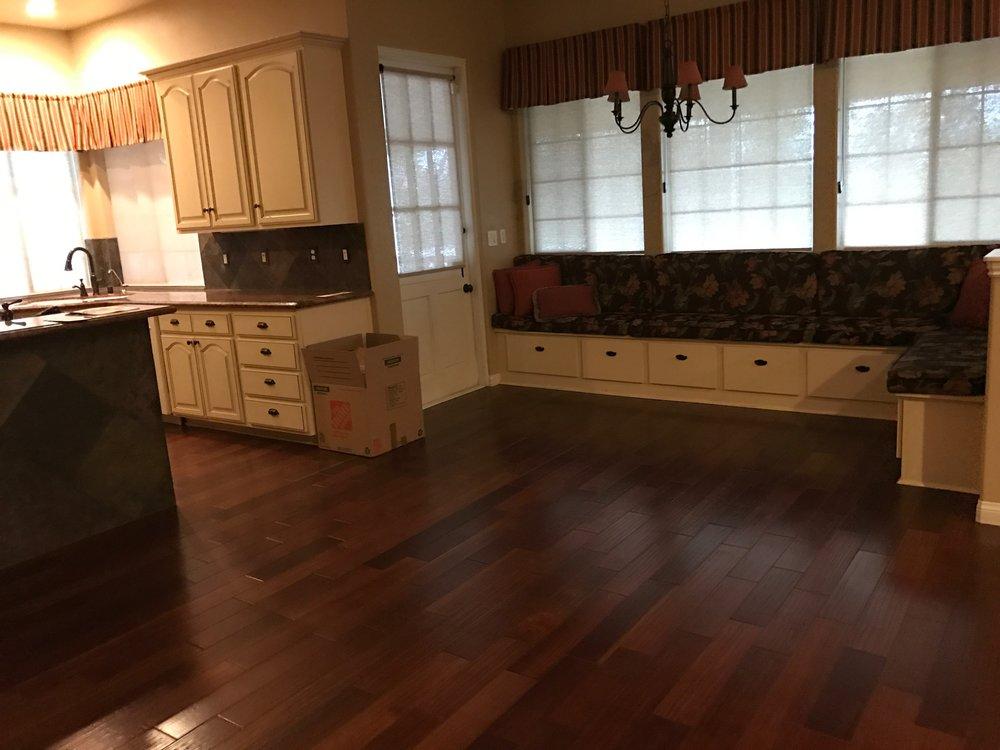 Kitchen Nook - Before