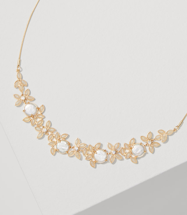 Pearlized Leaf Necklace