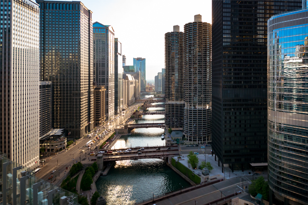 The view west looking down the Chicago River