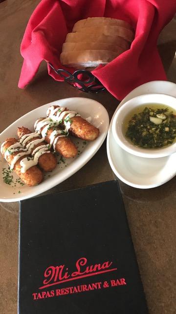 Mi Luna Tapas Restaurant & Bar, 2441 University Blvd, Houston, TX