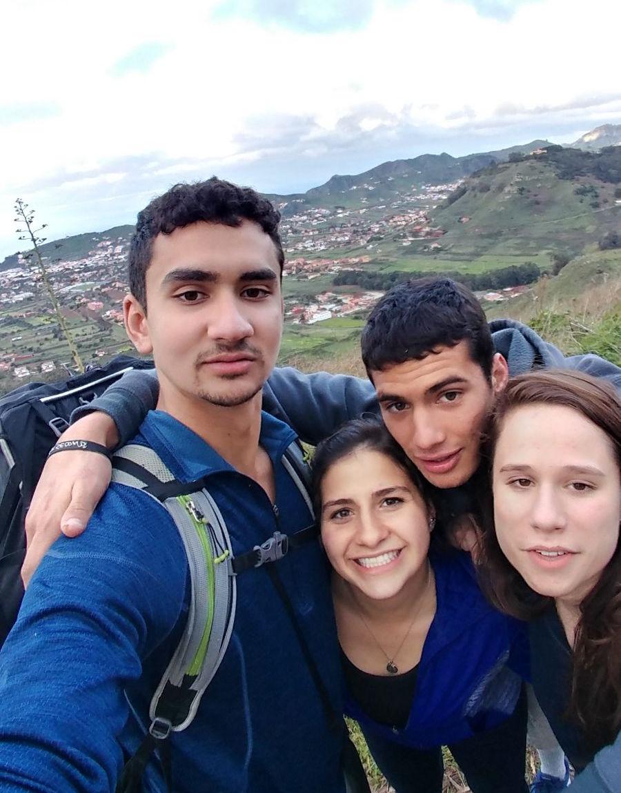 Horizon Bridge Fellows '17 hiking Tenerife mountain