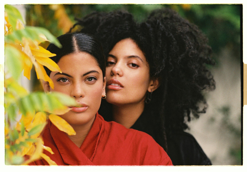 Oh Comely / Ibeyi