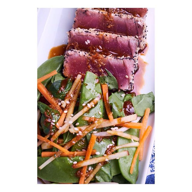 SEARED SESAME TUNA We aren't just delivering ceviche this summer! Sesame crusted seared red tuna with a crunchy Asian salad and a honey soy dressing delivered to you! #ibiza #eivissa #ibiza2017 #love #food #ibizafood #cevicheibiza #ibizaceviche #fresh #foodie #ibizacatering #ibizachef #ibizagourmet #ceviche #ibizaevent #ibizawedding2017 #instafood #seafood #ibizaseafood #ceviche #delivery #tuna #searedtuna