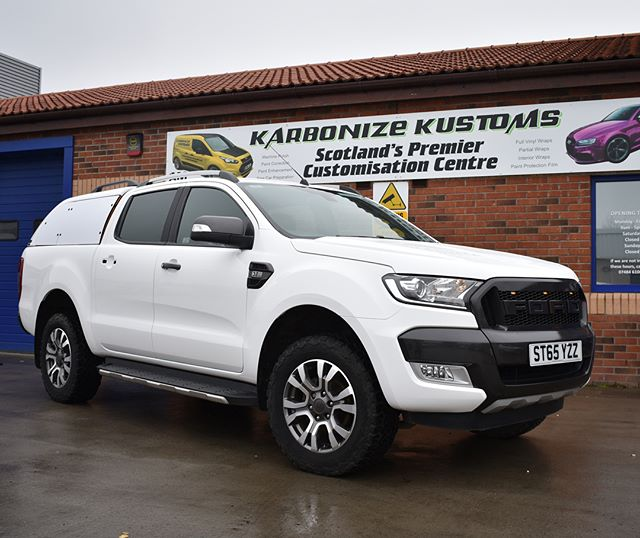 Well that's the Ford Ranger complete and back in the hands of its happy owner 👌 massive transformation done to this 4x4 and the white looks amazing compared to the orange it was before. ✅ A full custom white wrap has made this car stand out and look more aggressive and like it has just rolled out the factory. 👌👍 #karbonizekustoms#ford#ranger#wildtrak#averydennison#lovecars#springprotectiondetail#carsofinstagram #cargasm #cars #vinylwrapping #paintptotectionfilm #ppf #detailing #machinepolish #maintenancevalet #paintisdead #waxisdead #amdetailing#scotland #authoriseddetailer