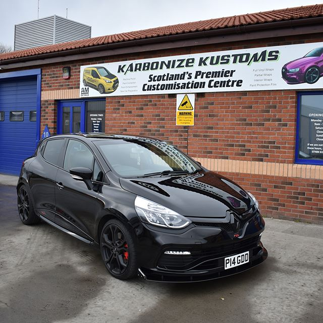 Happy Friday folks 😉 Grant had his Clio RS in to us to have all his external trim black to match the car and give it a stealth like appearance 👌 We blacked out the RS and done a couple little other improvements but the result looks really good ✅ Grant has his car rebooked for more work aswell so let's see what will happen next with this little RS 😆  #karbonizekustoms#clio#rs#averydennison#lovecars#springprotectiondetail#carsofinstagram #cargasm #cars #vinylwrapping #paintptotectionfilm #ppf #detailing #machinepolish #maintenancevalet #paintisdead #waxisdead #amdetailing#scotland #authoriseddetailer