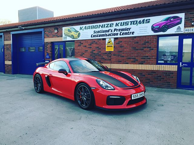 David brought us his stunning Porsche GT4 again this weekend to do more satin black vinyl work on the bonnet, flowing over the roof and down the back ☺️👌 Totally sets the car off and I think it ties the colours in well without looking to much and taking away the beauty of the whole car.  Our client was extremely happy with the work and the finished look of his car but I am sure we will be seeing this GT4 again soon 👍😉 #karbonizekustoms#porsche#GT4#averydennison#lovecars#springprotectiondetail#carsofinstagram #cargasm #cars #vinylwrapping #paintptotectionfilm #ppf #detailing #machinepolish #maintenancevalet #paintisdead #waxisdead #amdetailing#scotland #authoriseddetailer