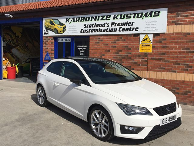 Murray has just collected his Seat Leon after having the rear diffuser wrapped in graphite vinyl. Giving the rear end a nice contrast 👌🏼. #karbonizekustoms#averydennison#lovecars#springprotectiondetail#carsofinstagram #cargasm #cars #vinylwrapping #paintptotectionfilm #ppf #detailing #machinepolish #maintenancevalet #paintisdead #waxisdead #amdetailing#scotland #authoriseddetailer