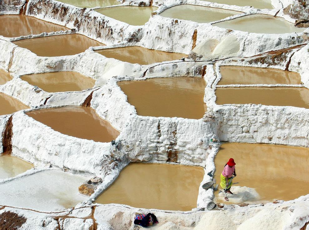 Salt-mining-Salinas.jpg