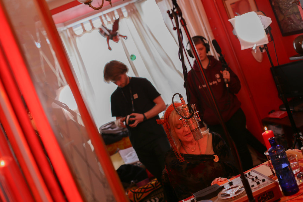 Focus puller: Charlie Harrison; Iris: Lynn McCaffrey; Sound Assistant: Connie Richards
